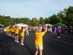 Walk to End Alzheimer's Teams Perform Pre-Walk Warm-up
